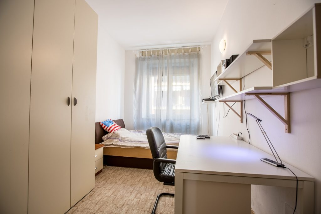 Student Accomodation for rent in single room in Via Monte San Genesio, 21, 1° floor, in Milano, Italy
