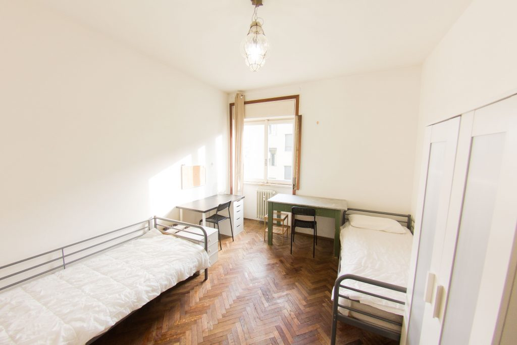 Student Accomodation for rent in double room in Via Donatello, 21, 5° floor, in Milano, Italy